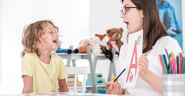 Róka Andrea szerint a leggyakoribb gyerekkori beszédhiba a pöszeség, amelyen a logopédia tud segíteni.